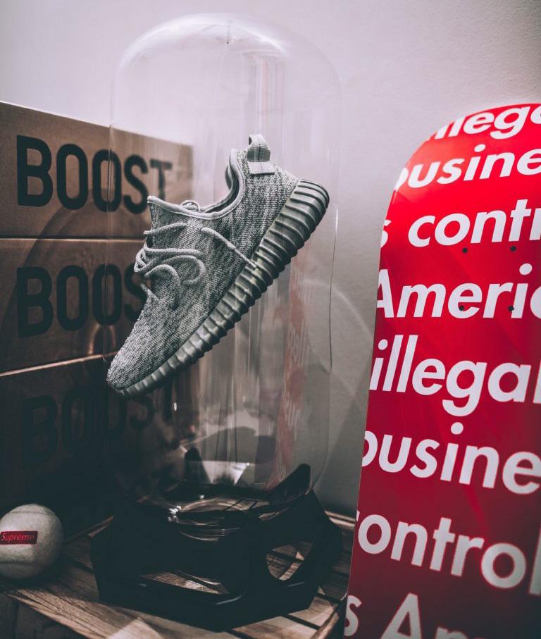 Capsule sneakers