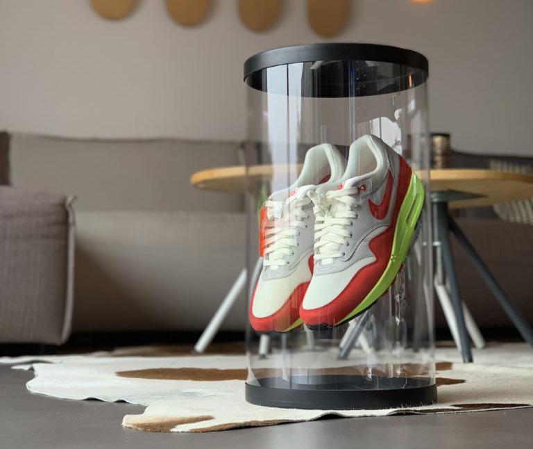 Tube sneakers